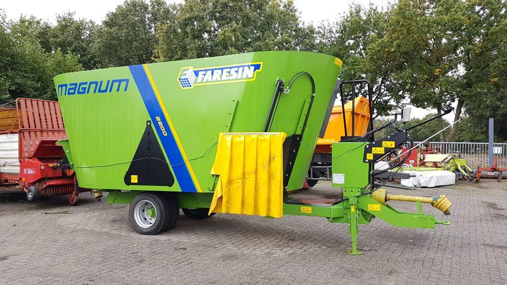 Faresin Magnum 2200, Mengvoedermachines, Landbouw