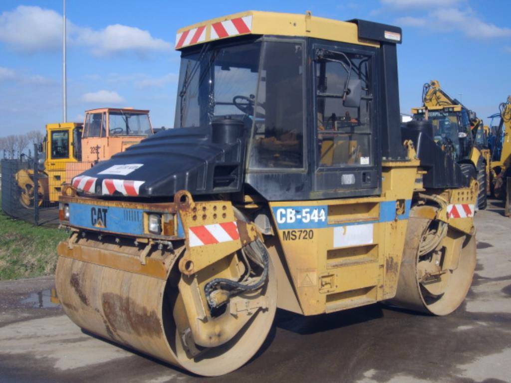 Caterpillar CB 544