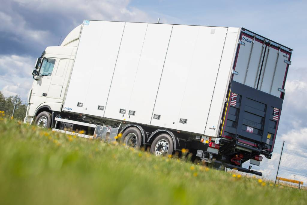 DAF XF FAN 530 - Nordic Edition, Box trucks, Trucks and Trailers