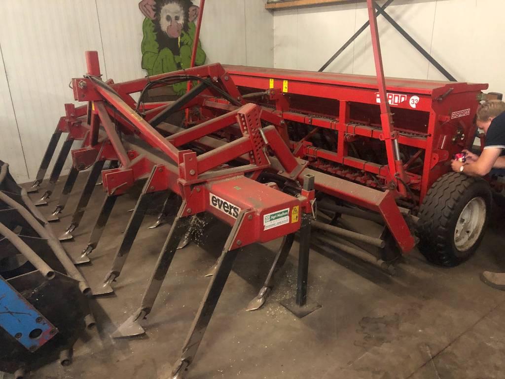 Gaspardo M400-33, Drills, Agriculture