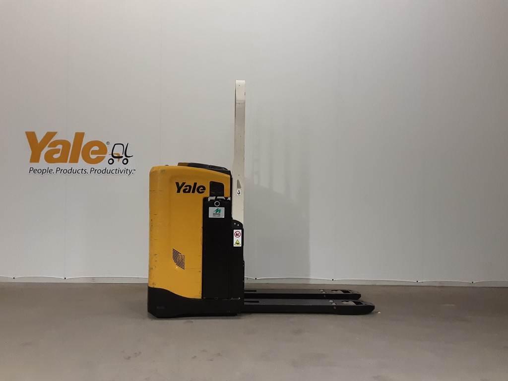Yale MP20T, Pallettruck met meerij platform, Laden en lossen