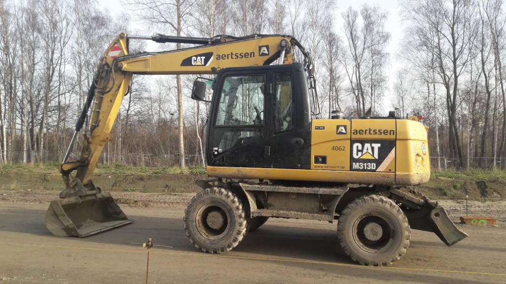 Caterpillar M 313 D, Wheeled excavators, Construction