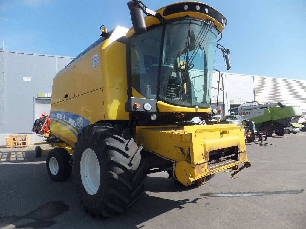 New Holland TC 5.90, Combine harvesters, Agriculture