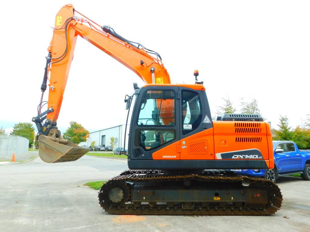 Doosan DX 140lc -5, Crawler excavators, Construction