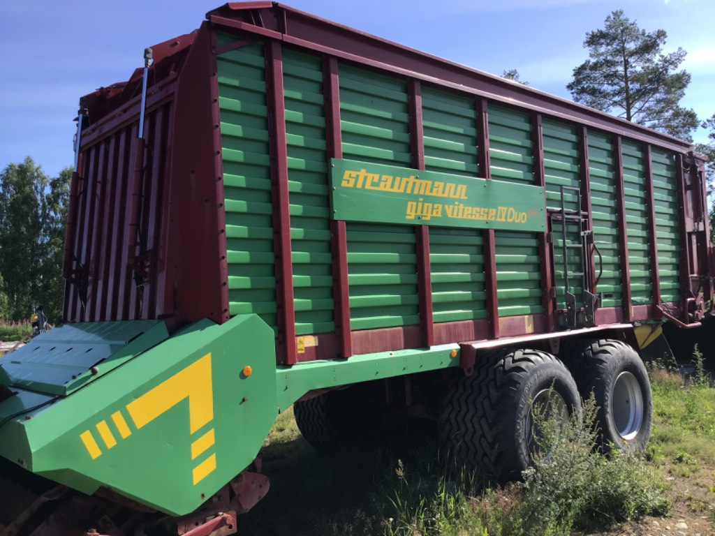 Strautmann Giga vitesse 4 Duo Plus, Keräävät noukinvaunut ja silppurivaunut, Maatalous