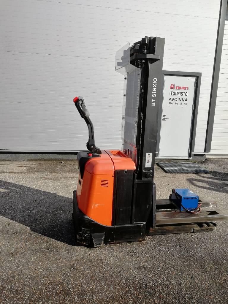 BT SPE 160, Käyden ajettavat pinoamistrukit, Materiaalinkäsittely