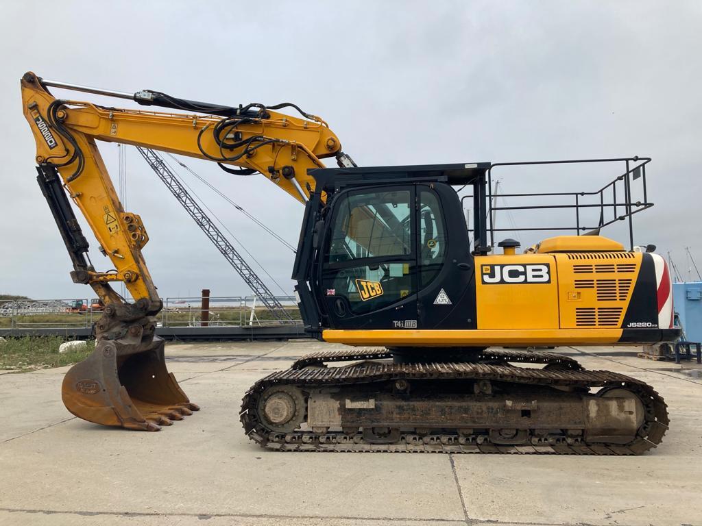 JCB JS 220 XD, Crawler excavators, Construction