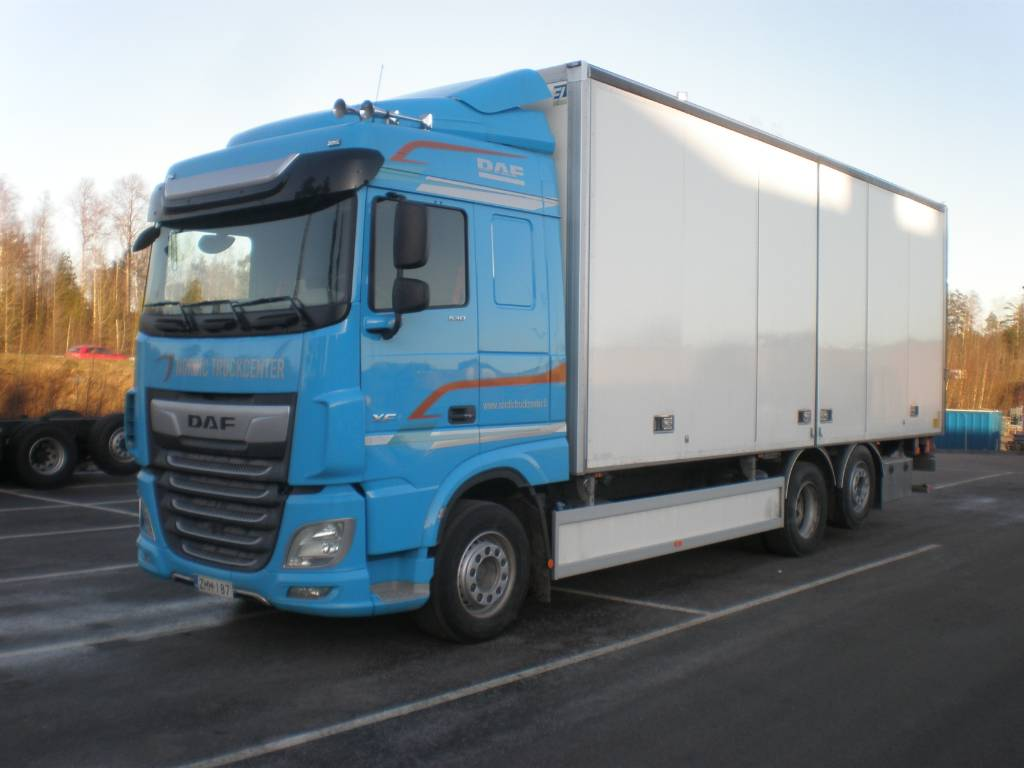 DAF XF 530 FAN 6x2, Box trucks, Trucks and Trailers