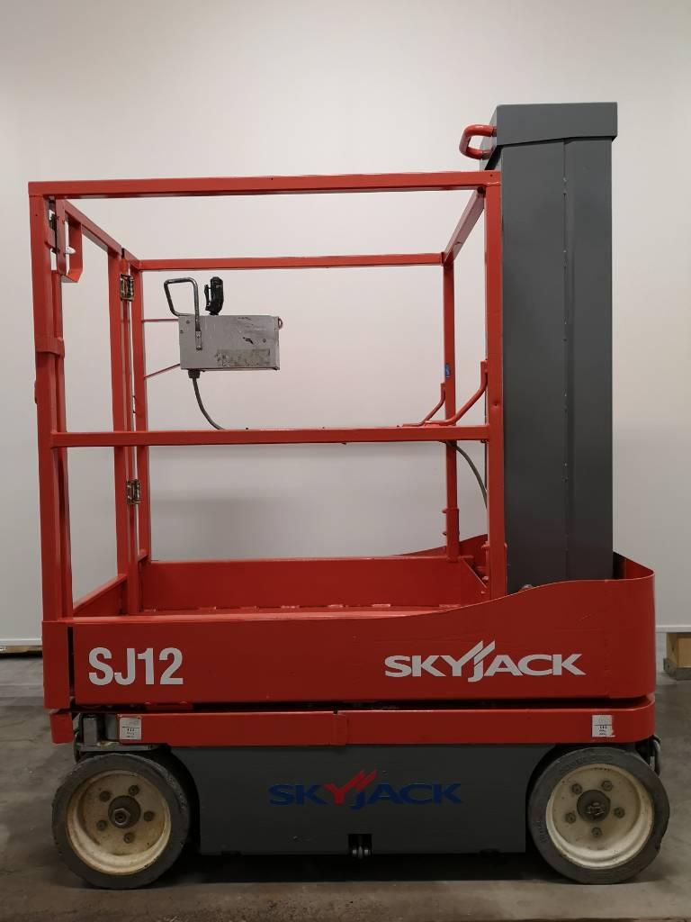 SkyJack SJ 12, Saxliftar, Entreprenad