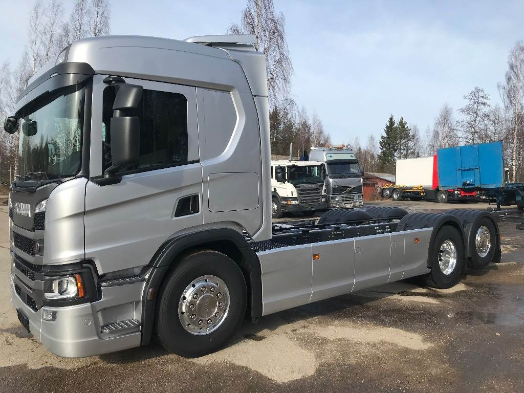 Scania P500 6x2*4, Kuorma-autoalustat, Kuljetuskalusto