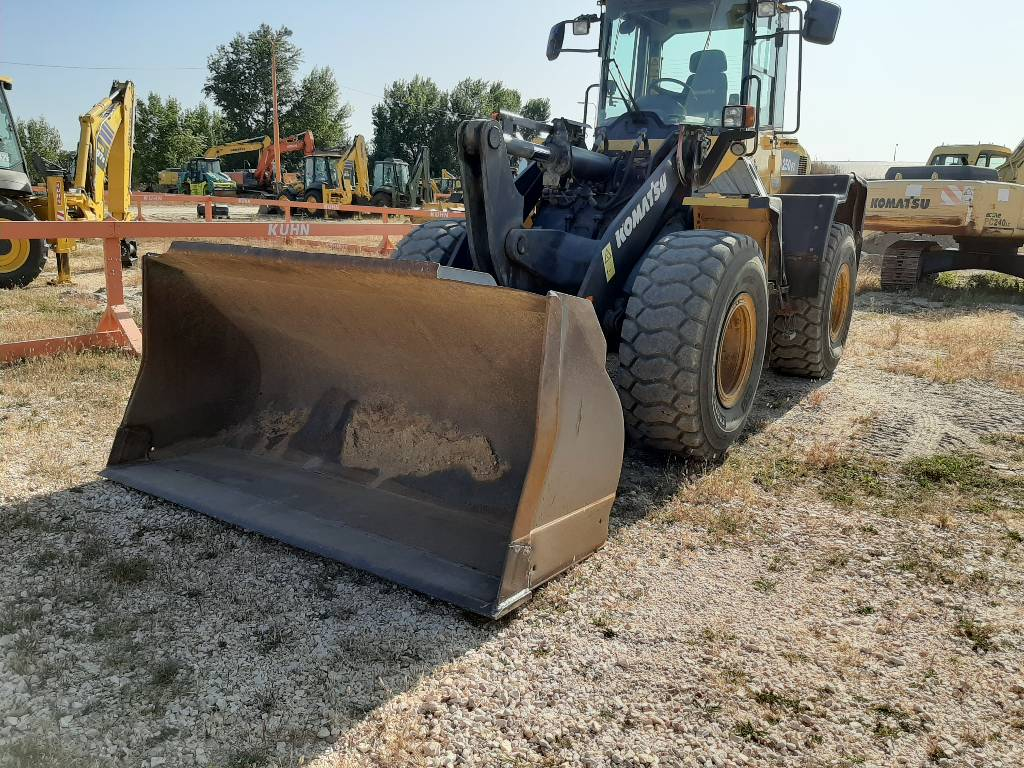 Komatsu WA250-6, Wheel Loaders, Construction Equipment