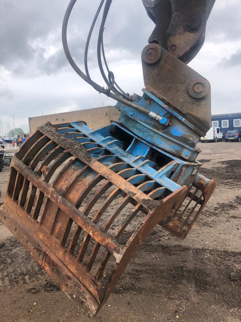 Verachtert Selector Grab, Grapples, Construction
