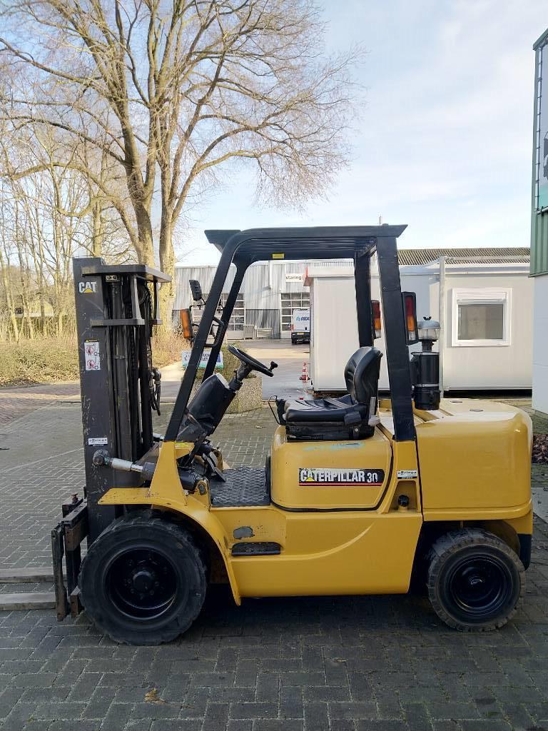 Caterpillar DP30K Heftruck, Diesel heftrucks, Laden en lossen