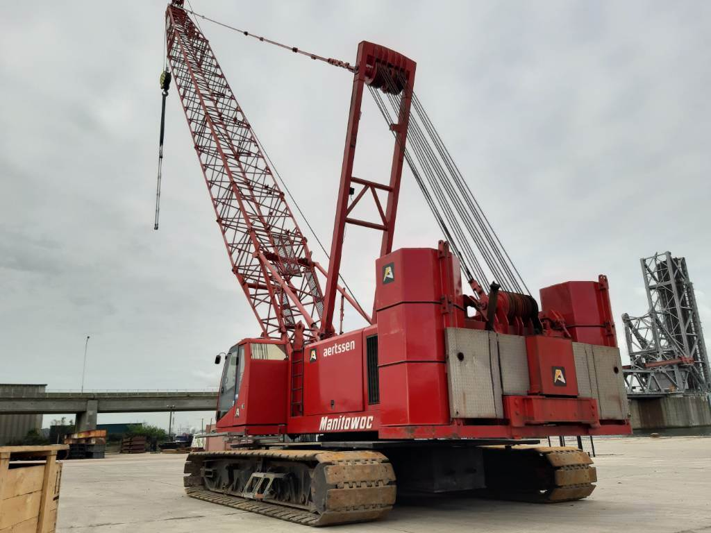 Manitowoc 555, Tracked cranes, Construction