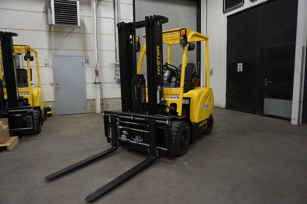 Hyster J2.0UT, Electric counterbalance Forklifts, Material Handling