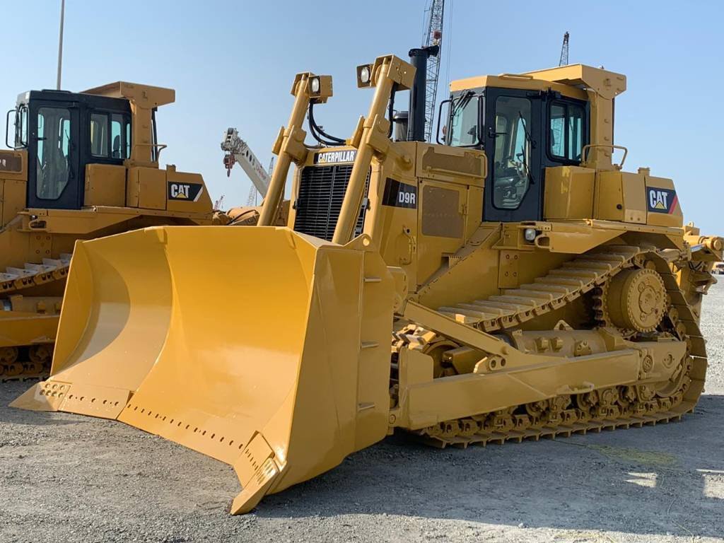 Caterpillar D 9 R (reman engine + new AC), Crawler dozers, Construction