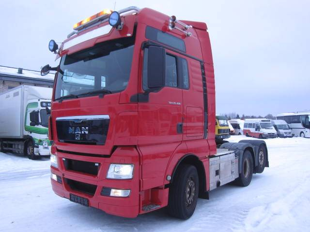 MAN TGX28.480, Sadulveokid, Transport