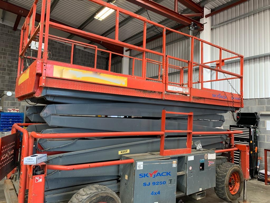 SkyJack SJ 9250 RT, Scissor lifts, Construction