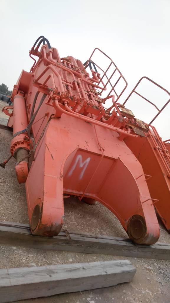 Hitachi EX 2500-6 boom-arm-bucket-ripper, Booms and dippers, Construction