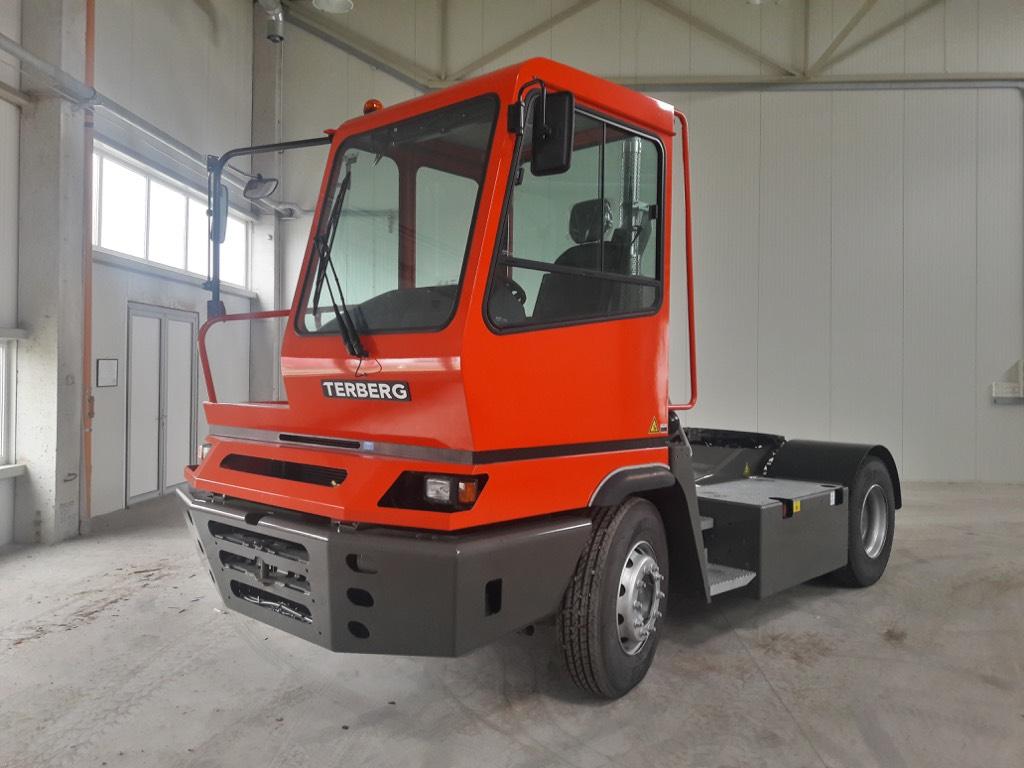 Terberg YT222, Terminal tractors, Material Handling