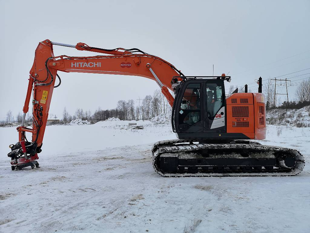 Hitachi ZX225USLC-5, Crawler excavators, Construction