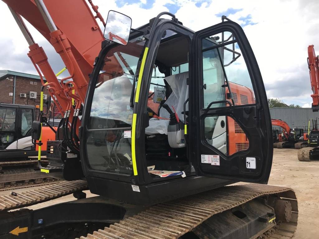 Hitachi ZX225USLC-6, Crawler Excavators, Construction Equipment