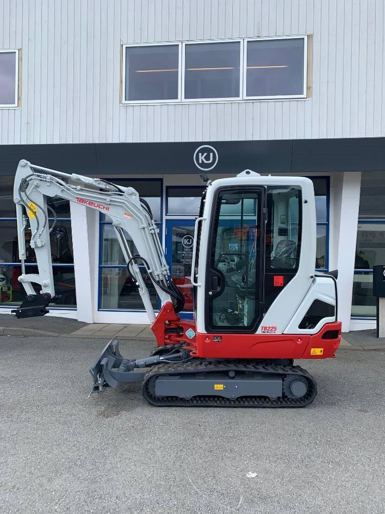 Takeuchi TB225, Mini excavators < 7t (Mini diggers), Construction