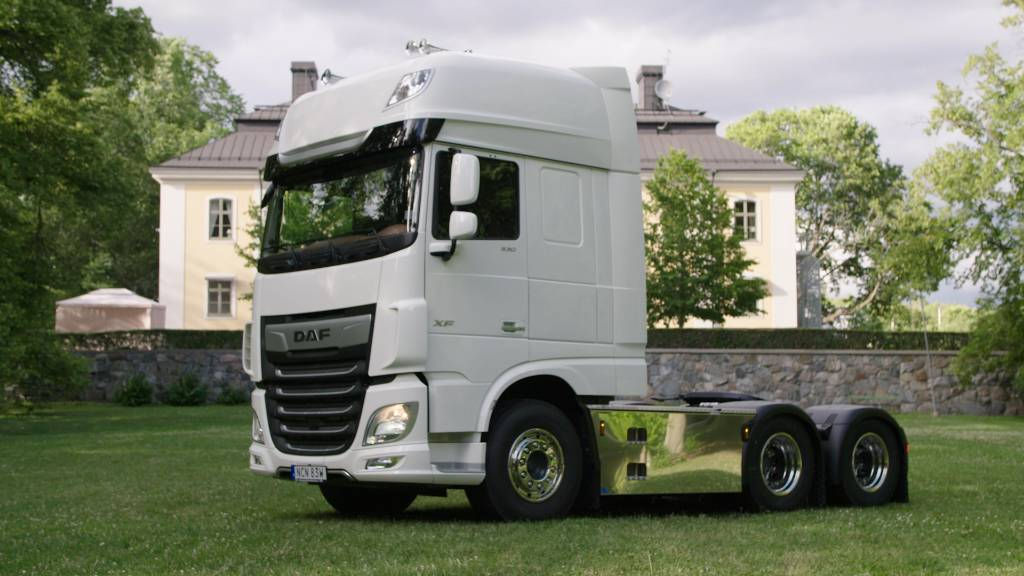 DAF XF FTS 530 - Exclusive Line, Conventional Trucks / Tractor Trucks, Trucks and Trailers