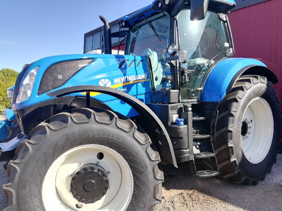 New Holland T7.215 S, Traktorit, Maatalous