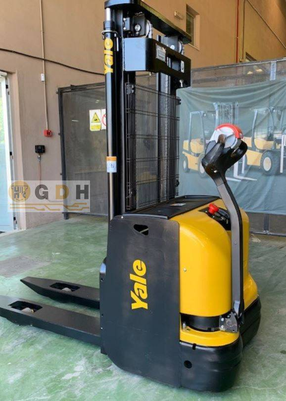Yale MS12AC, Pedestrian stacker, Material Handling