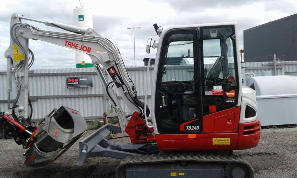 Takeuchi TB240 *UTHYRES / FOR RENT*, Minigrävare < 7t, Entreprenad