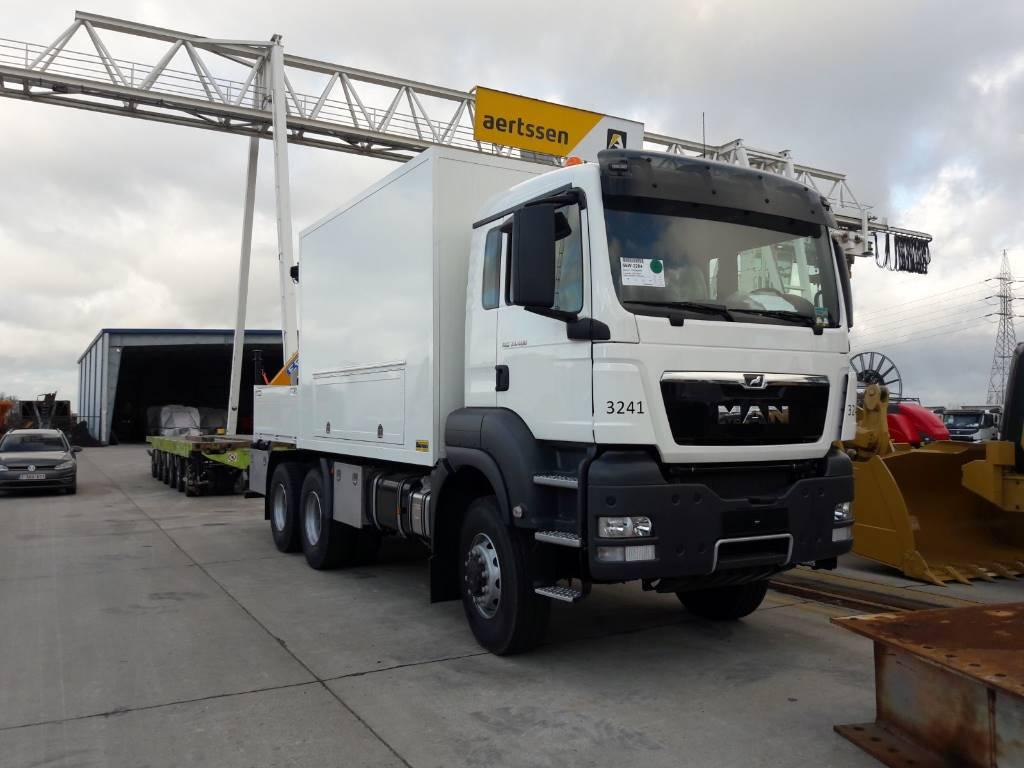 MAN 33.400 6x6 Servicetruck, Panel vans, Transportation