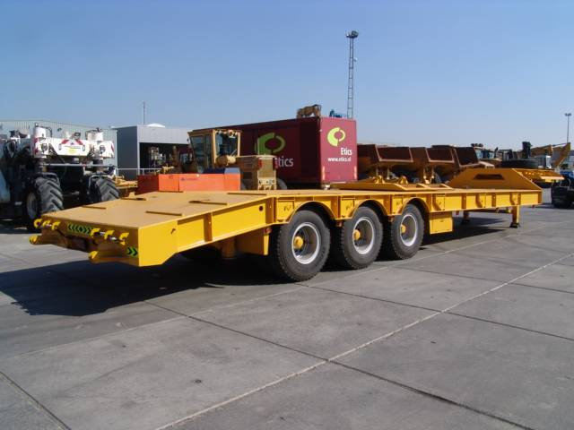 [Other] KM semi trailer, Low loader-semi-trailers, Trucks and Trailers