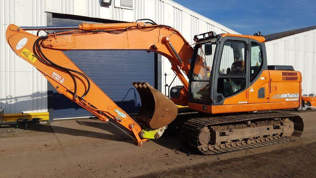 Doosan DX 140 LC, Crawler Excavators, Construction Equipment