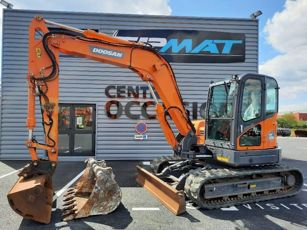 Doosan DX 85 R-3, Mini excavators  7t - 12t, Construction Equipment