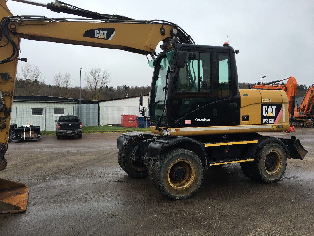 Caterpillar 313 D, Wheeled excavators, Construction