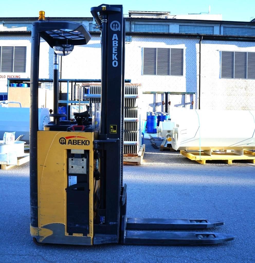 Abeko SA1350TTFYI, Ajettavat pinoamisvaunut, Materiaalinkäsittely