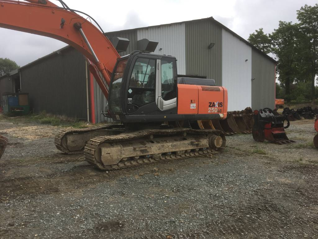 Hitachi ZX 250 LC-3, Crawler Excavators, Construction Equipment