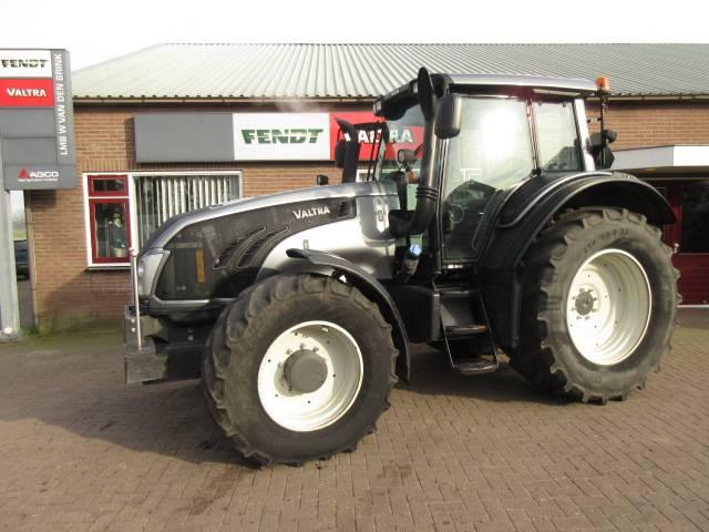 Valtra T153, Tractoren, Landbouw
