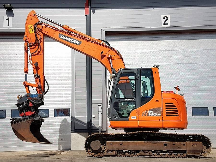 Doosan DX 140 LCR, Crawler excavators, Construction