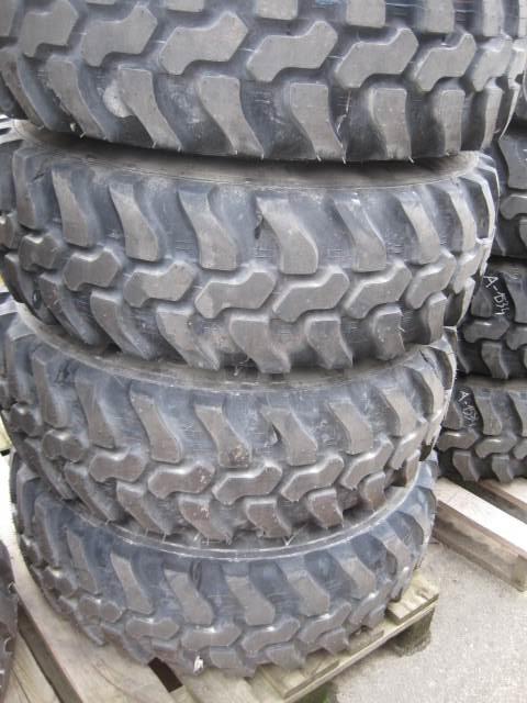 Dunlop 335/80R18 SPT9 #A-1546, Reifen, Baumaschinen