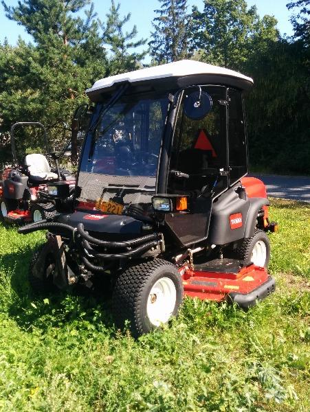 Toro Groundsmaster 360 Cab, Päältäajettavat ruohonleikkurit, Ympäristökoneet