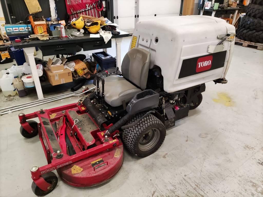 Toro Z MASTER 8000, Päältäajettavat ruohonleikkurit, Ympäristökoneet
