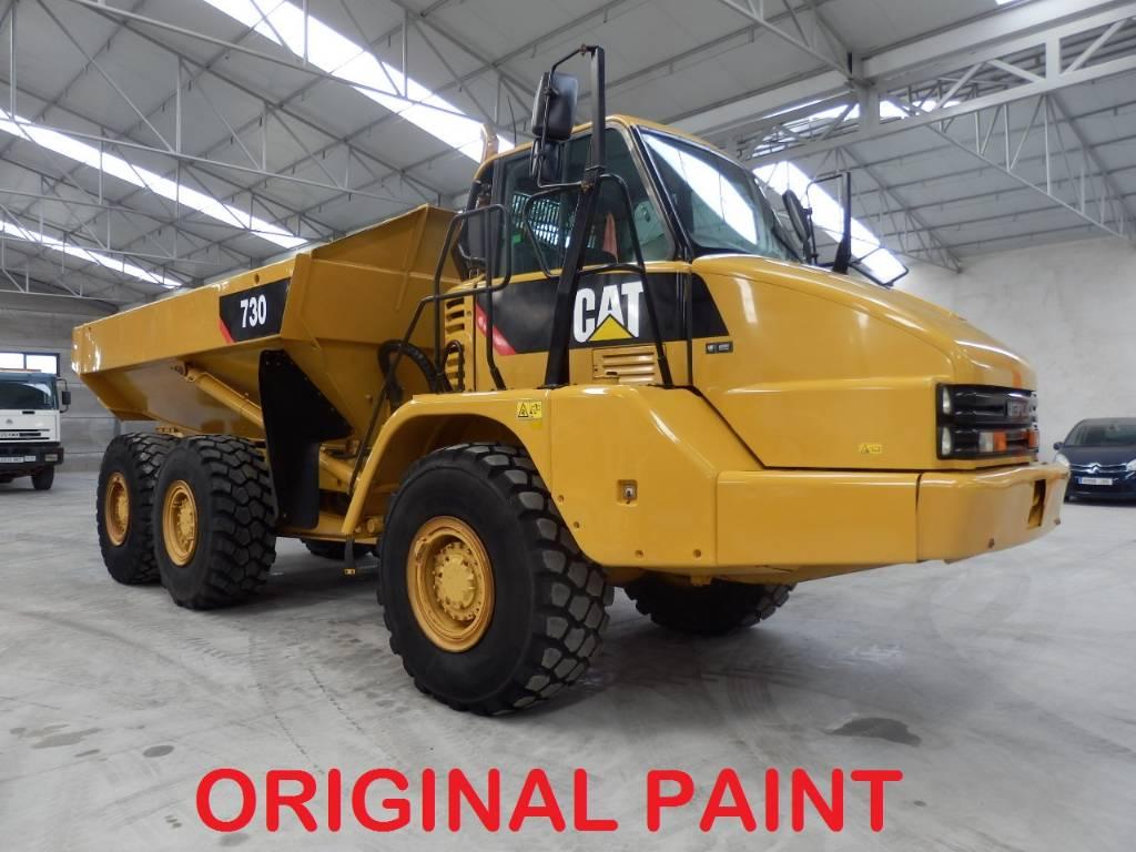 Caterpillar 730, Dúmpers articulados, Construcción