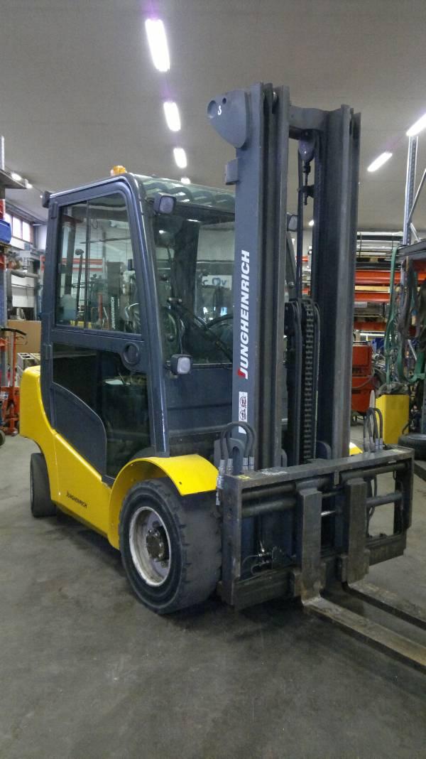 Jungheinrich DFG 430, Dieseltrukit, Materiaalinkäsittely