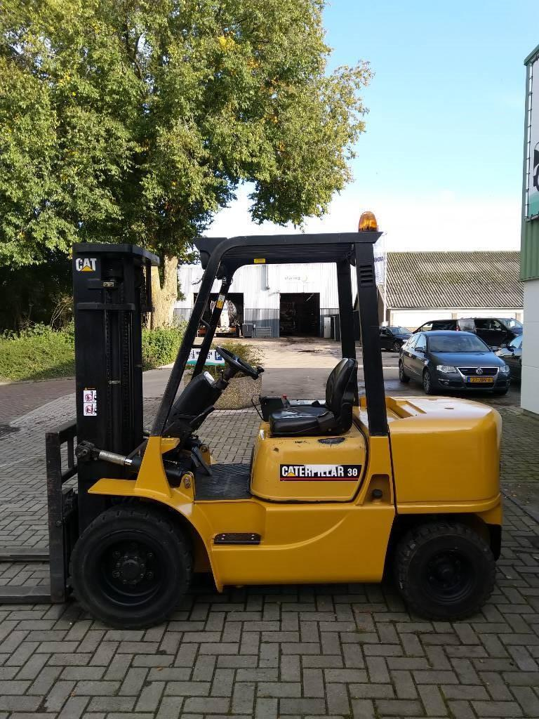 Caterpillar DP30K Heftruck, Diesel heftrucks, Laden en lossen