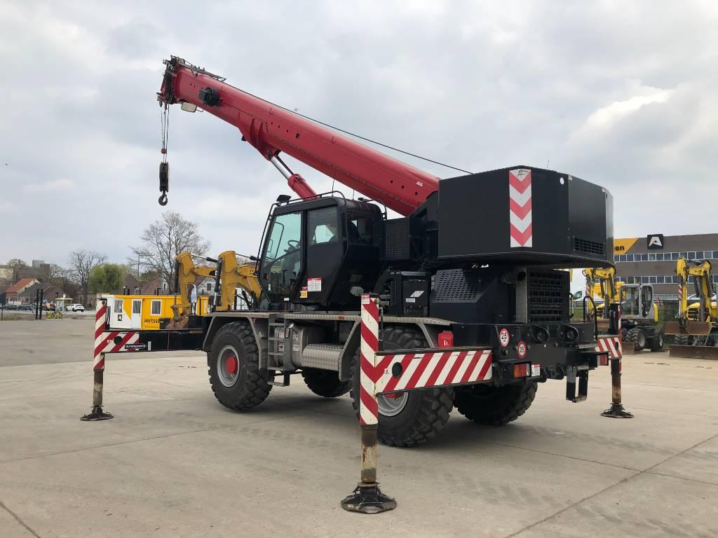 Grove RT 550 E, Rough terrain cranes, Construction