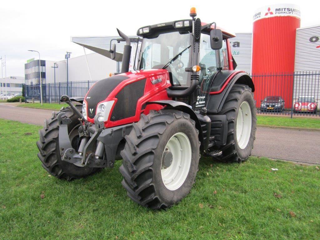 Valtra N113 HiTech, Tractoren, Landbouw