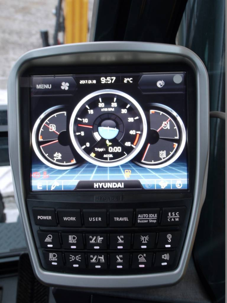Hyundai HW 140, Pyöräkaivukoneet, Maarakennus