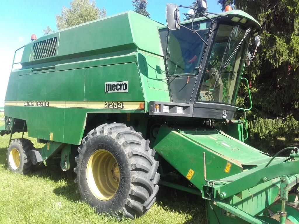 John Deere 2254, Kombainid, Põllumajandus